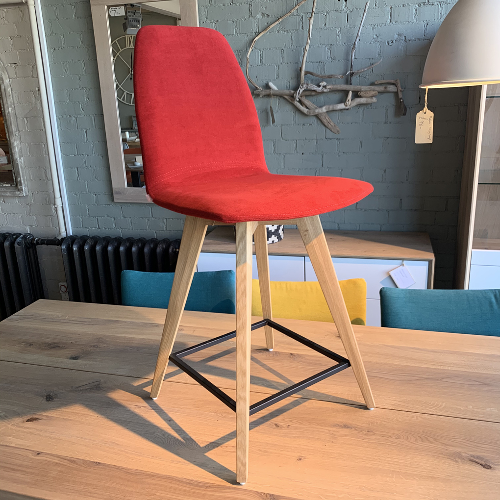 M11 Counter Stool